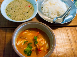 tomyamkung_greencurry_sirokuma.jpg