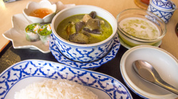 greencurry2_set_asianhouse.jpg